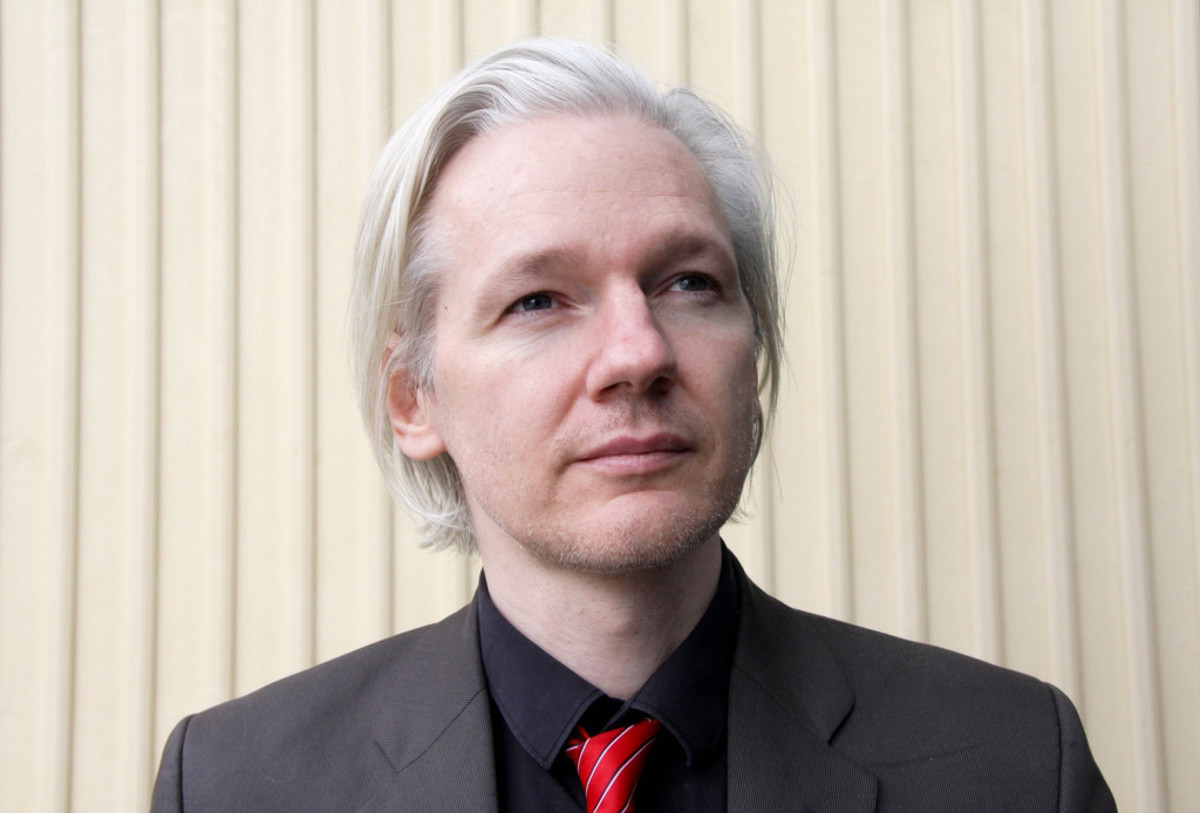 Ecuador has granted citizenship to Julian Assange, the founder of WikiLeaks.